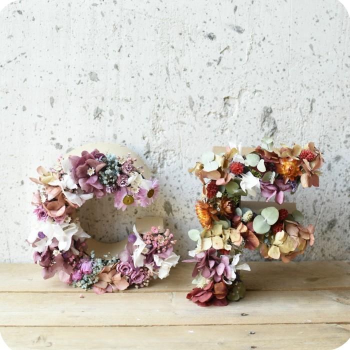 LETRA con Flor Preservada